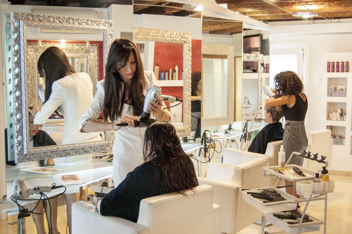 Salone Parrucchiere Glamour Viviana e Debora